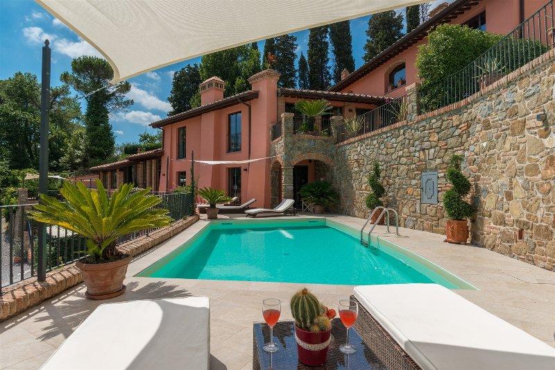 Villa Le Panteraie - villa con piscina tra Firenze e Pisa, holiday rental in Montecatini Terme