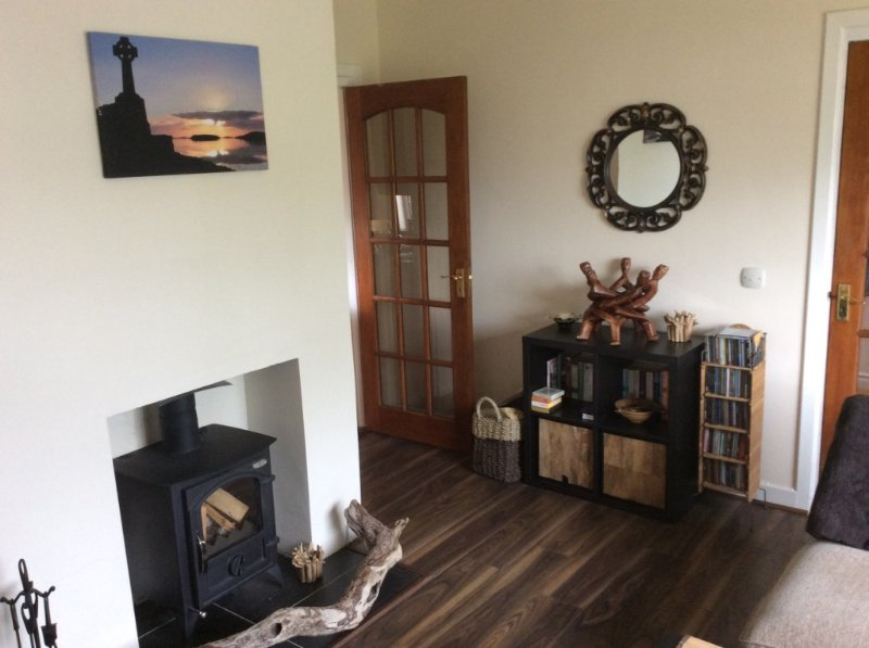 3 bedroom Cosy Holiday Cottage, holiday rental in Dunkineely
