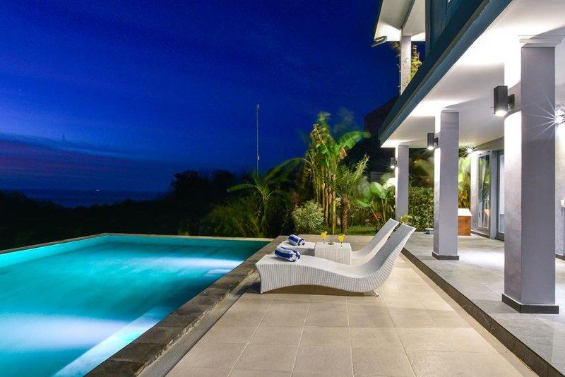 Villa Coco - Luxury Villa with seaview, holiday rental in Temukus