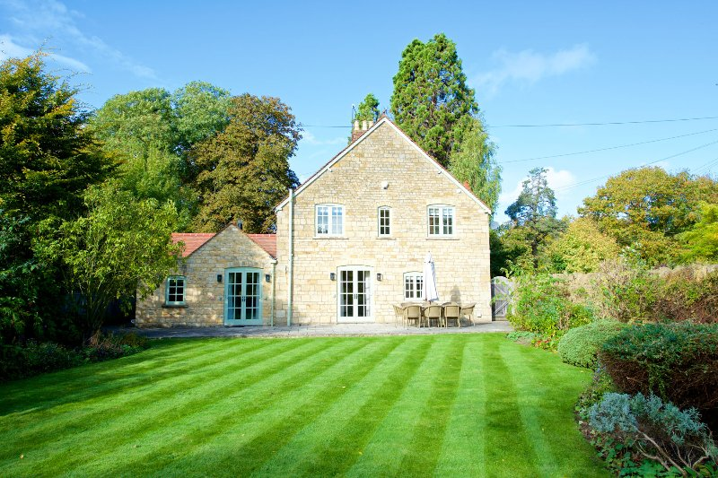 1 Manor Lodge Cottage, holiday rental in Paxford