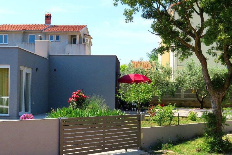Family Apartment Stinjan, Pula, Croatia, holiday rental in Stinjan