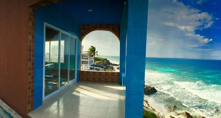 Enjoy the amazing 360 degree views of the Caribbean, the island and lights of Cancun!
