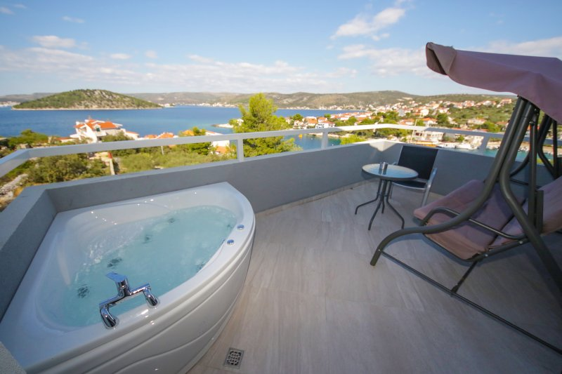 Ražanj / House 'Sena' -  quiet and secluded place, vacation rental in Razanj