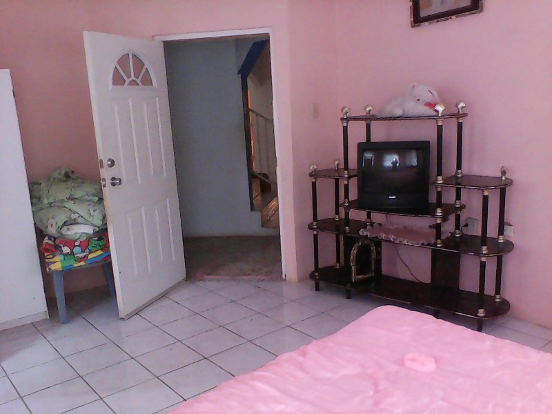bedroom 1 with wifi tv and cbale