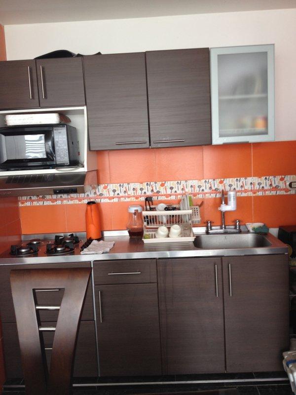 Departamento bonito ,cómodo y espacioso. Cerca del aeropuerto., holiday rental in Tena