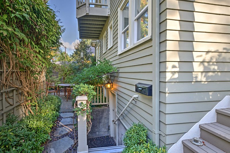 Experience the beauty of Seattle from this 1-bed, 1-bath vacation rental apartment!