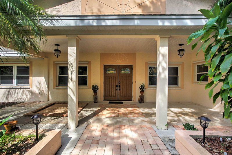 Reconnect with friends and family at this marvelous home in North Fort Myers.