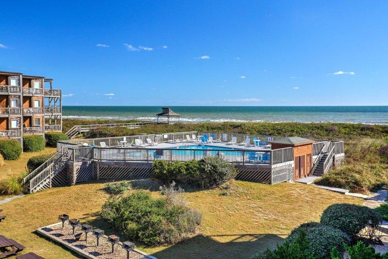Faça memórias duradouras quando você ficar neste condomínio de férias de 1 quarto, 2 casas de banho em Duck.