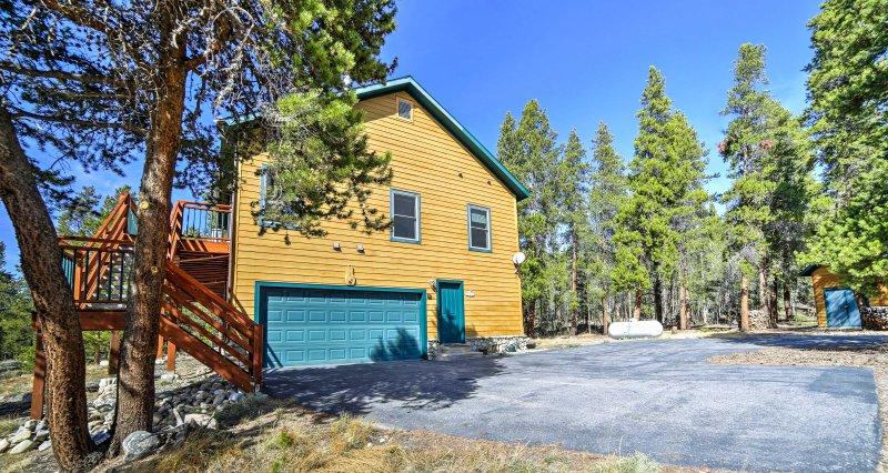 Cette location de vacances de 2 700 pieds carrés peut accueillir jusqu'à 15 personnes.