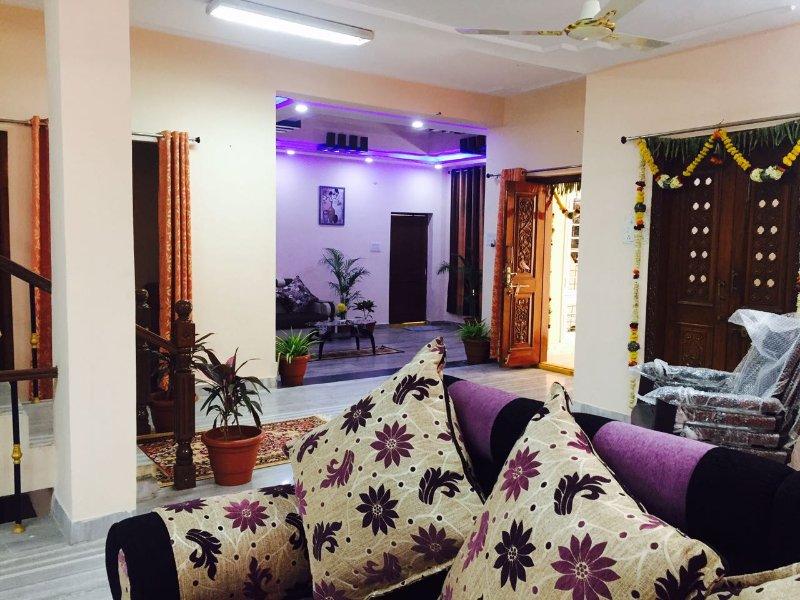 4 Bedroom Spacious Independent villa, holiday rental in Hyderabad