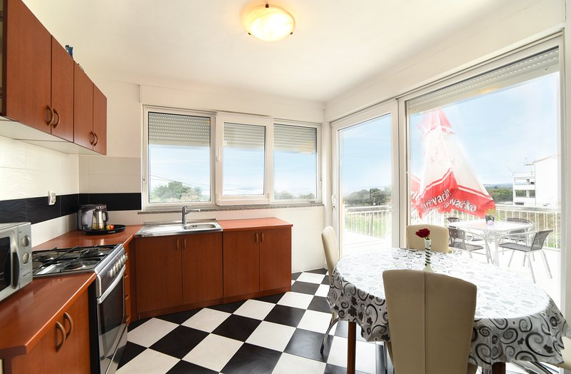 Apartments Maric - A3, holiday rental in Stinjan