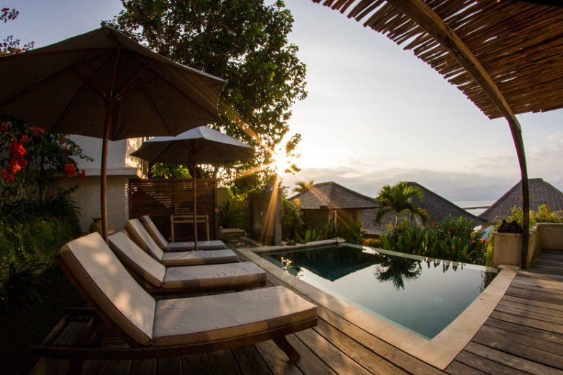 VILLA KUNDALINI -BERSANTAI VILLAS NUSA LEMBONGAN ISLAND BALI- 2 BED PRIVATE POOL, vacation rental in Ped