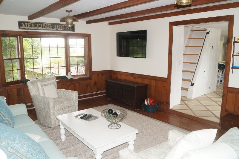 Flat Screen TV och WiFi - 117 Old Wharf Road Chatham Cape Cod - New England Vacation Rentals
