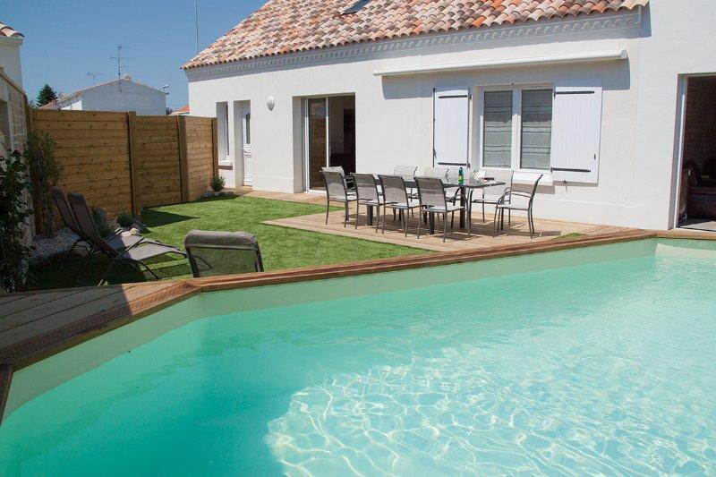 La Braie N°1 - Coastal villa with heated pool, close to beach and amenities, vacation rental in Beauvoir-Sur-Mer