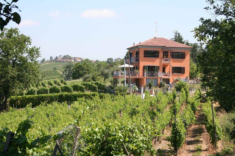 B&B room at Villa I Due Padroni, holiday rental in Zavattarello