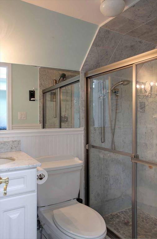 Third floor full bath