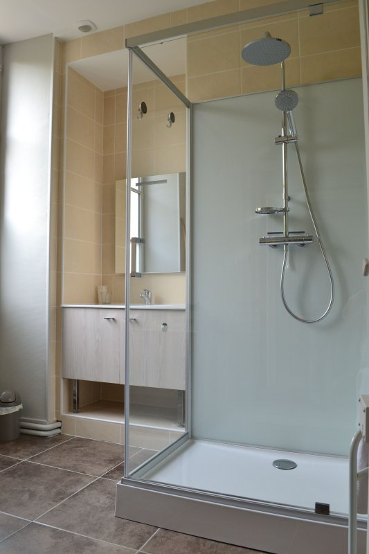 2nd shower room with a spacious cabin