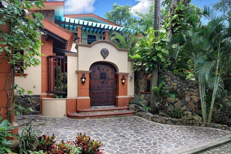 Welcome to La Villa Bella ...su hacienda!