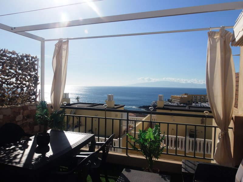 Beautiful house with wonderful ocean view sea for 4/6 people, Wifi and pools – semesterbostad i Callao Salvaje