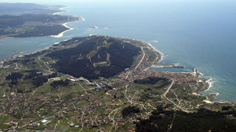 Vista aerea del monte Santa Tecla, Desmbocadura y A Guarda