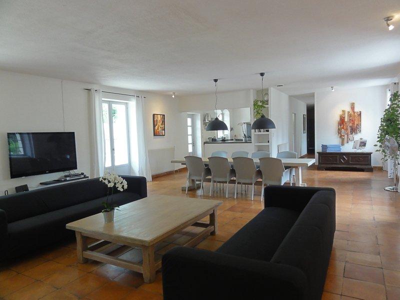 La Maison, spacieuse et lumineuse ****, vacation rental in Saint-Martin-des-Combes