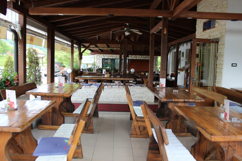 Terraza del restaurante MARKO