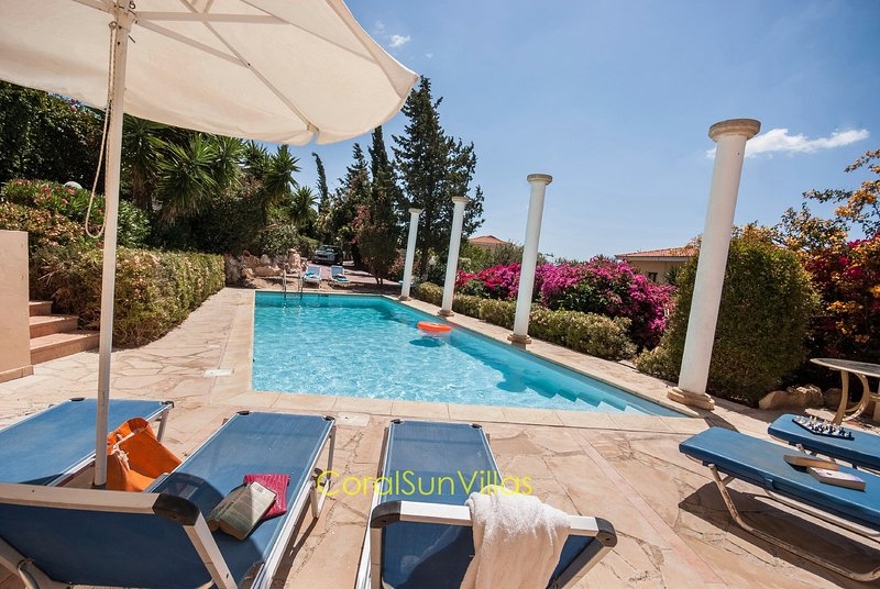 Wonderful quiet area,Complete Privacy,large Pool, Colorful Garden, jacuzziSauna, vacation rental in Peyia