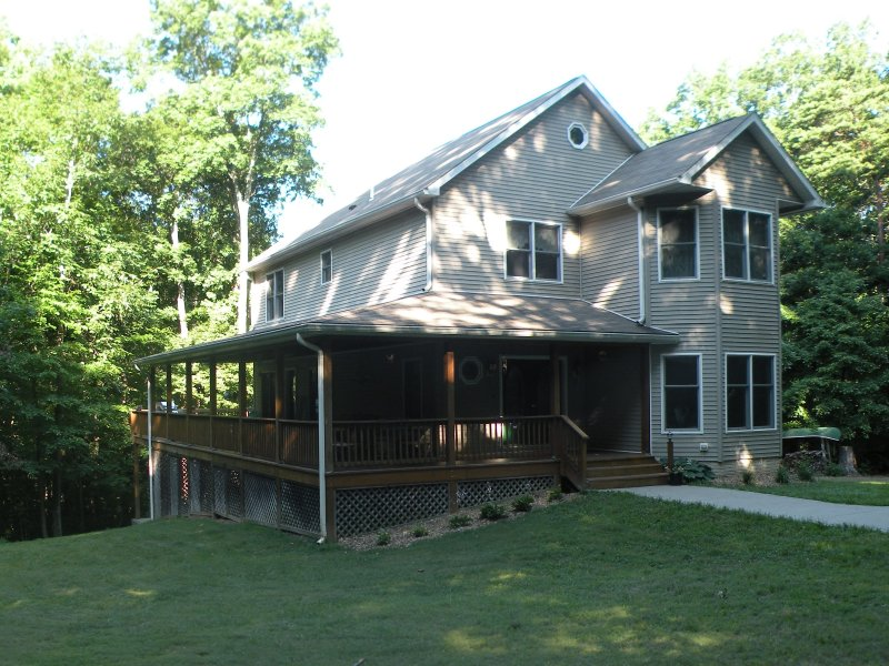 Hilltop Hideaway - Located in wine country on 25 private acres, location de vacances à Rappahannock County