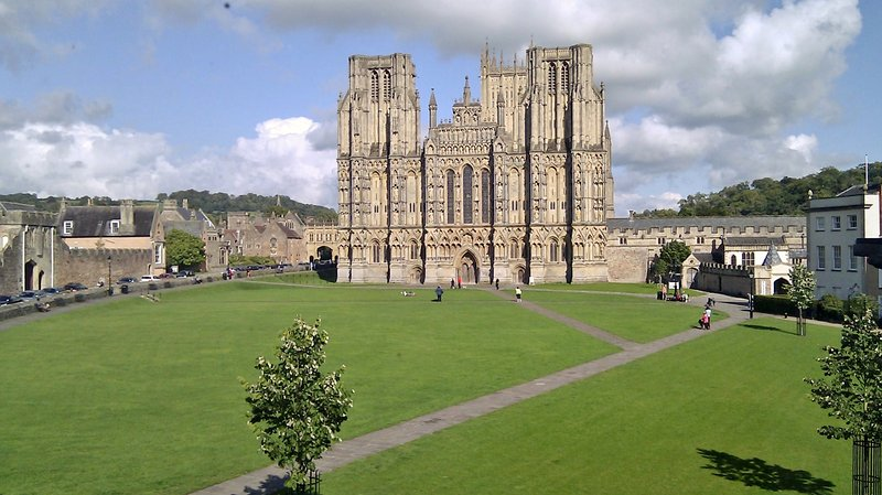 Wells Cathedral - 5 minute stroll away. Magnificent!