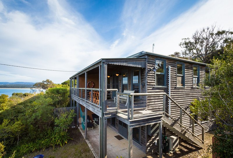 The Bantry 1 - Relax and enjoy the view, vacation rental in Merimbula