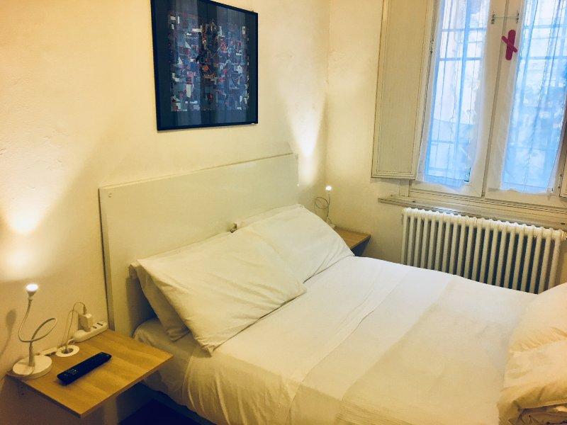 Cozy studio, wifi kitchen and bath, holiday rental in Rastignano