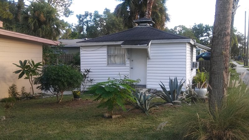 Cozy Cottage close to the Indian River., casa vacanza a Titusville