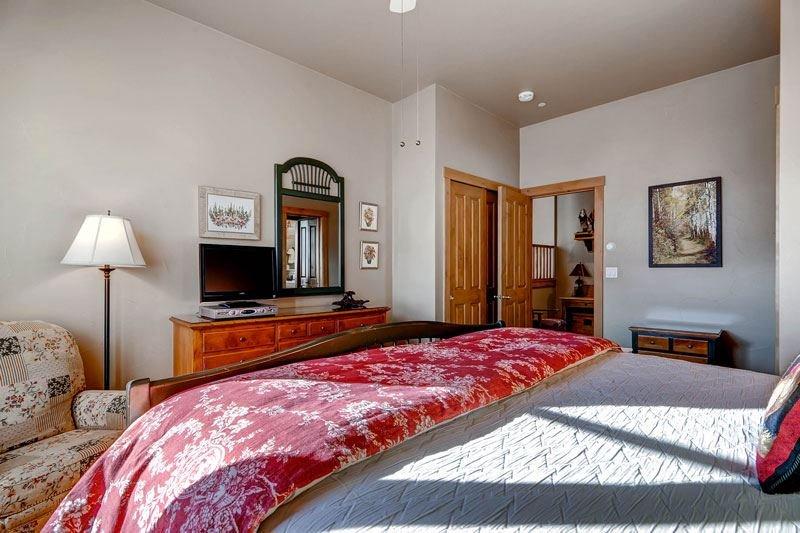 16-Villa-Montane-225-bed-A3.jpg