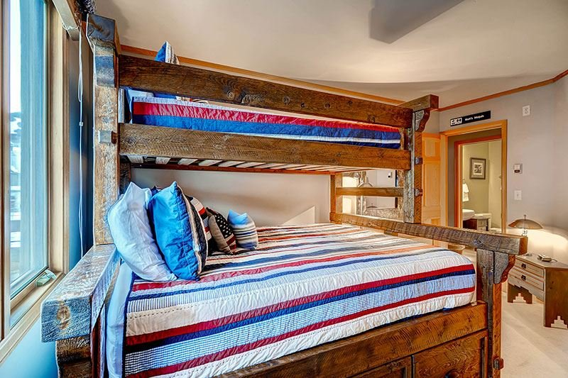 Highlands-Lodge-300-Capitani-castello-2.jpg