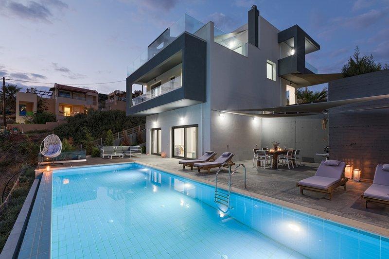 Villa Athina with  private pool, casa vacanza a Almirida