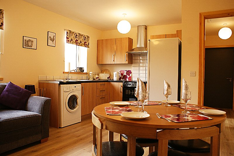 Flat 4 at The Store - Kirkwall Self-Catering Apartment, location de vacances à Mainland