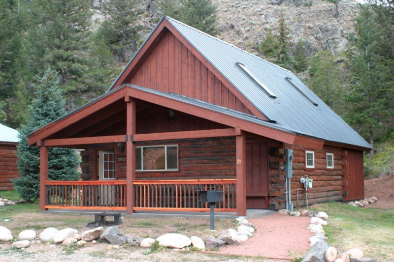 Modern and Roomy 2BR Cabin with Large Loft at Three Rivers Resort in Almont (#29), alquiler de vacaciones en Pitkin