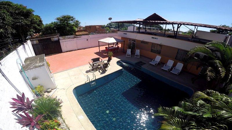 BK Tonsupa Tu Casa de Playa en Esmeraldas, ubicada en la mejor playa Ecuatoriana, aluguéis de temporada em Província de Esmeraldas