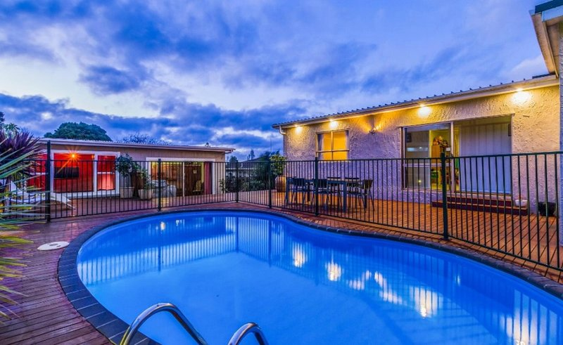 Spacious Family House with swimming pool, vacation rental in Waimauku