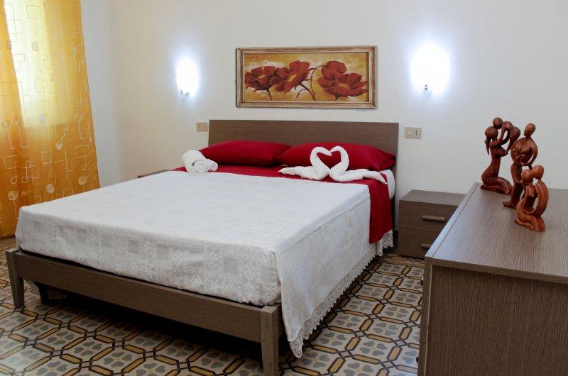CASA VACANZA LA ROSA ROSSA, location de vacances à Casa Milazzo