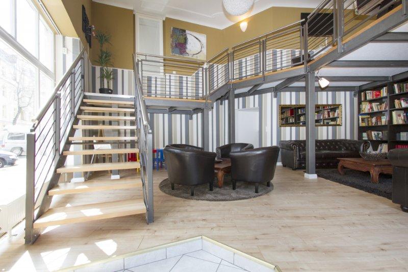 primeflats - Families & Groups: Huge apartment at Treptower Park, casa vacanza a Schonefeld