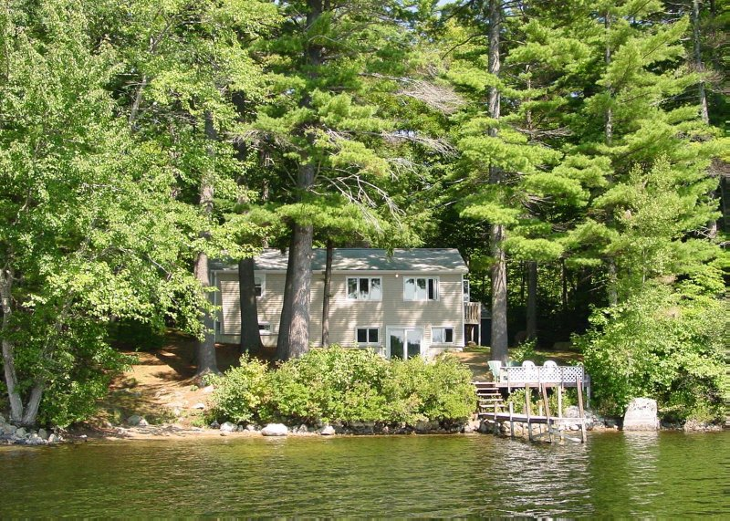 Lake Winni - WF - 310, vacation rental in Moultonborough