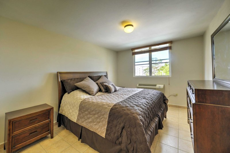 You'll love ending your days in this comfortable king-sized bed!