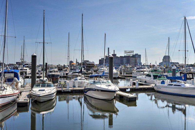 Il porto si trova a 5 minuti a piedi dalla proprietà.