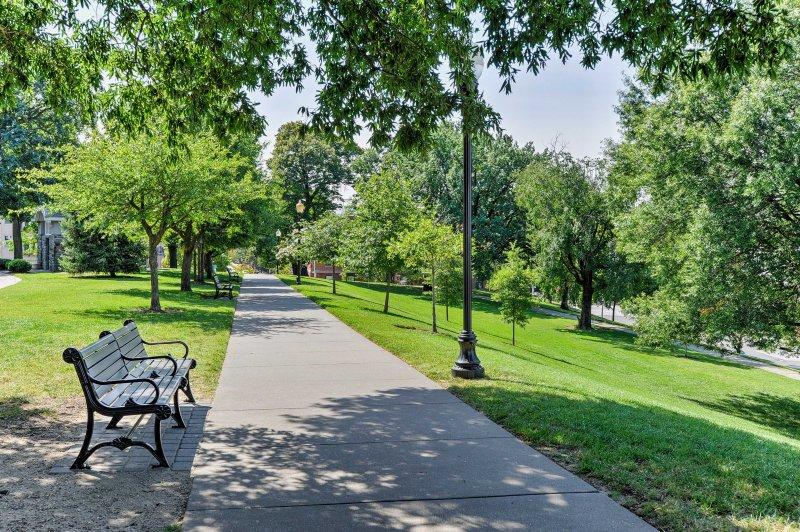 Fate una passeggiata rilassante attraverso Federal Hill Park.