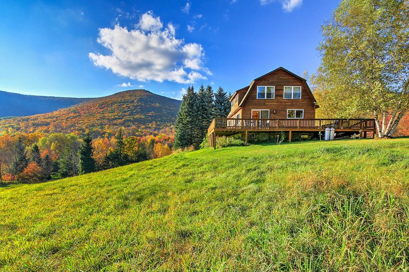 'Bearpen Lodge' on 125 Acres - Near Belleayre Mtn!, aluguéis de temporada em Halcottsville