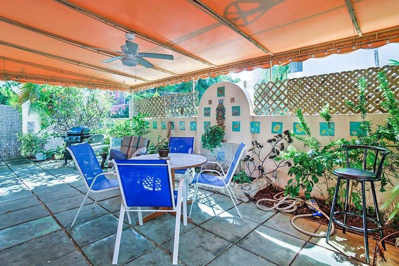 Questo Ft 1 letto, 1 bagno. L'appartamento per le vacanze in affitto a Lauderdale offre un cortile.