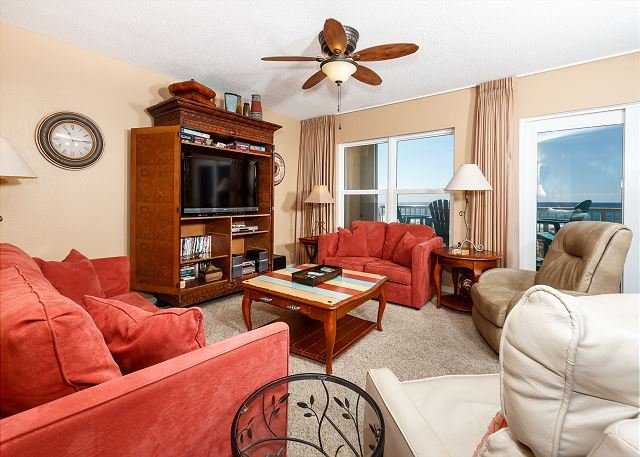 Islander 2002:  Professionally decorated beach front 2BR, WIFI,LCDTV, holiday rental in Fort Walton Beach