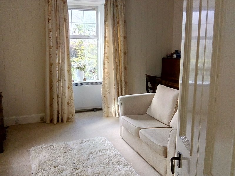 Front room with sofa bed 2017