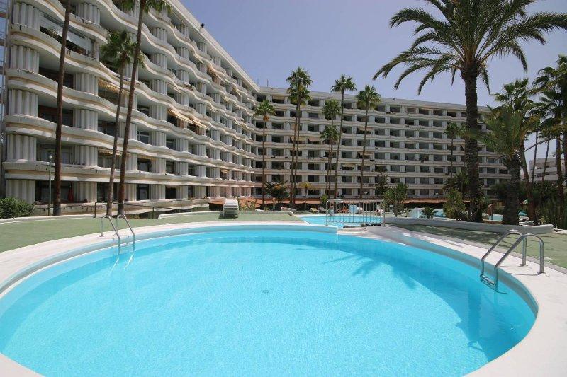 BEST PLACE, BEST LOCATION in Playa del Ingels  !!, location de vacances à San Bartolome de Tirajana